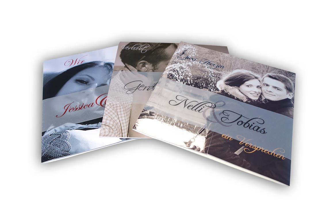 Freudestrahlend - diese Foto-Hochzeitseinladungen werden Ihrem Namen ...