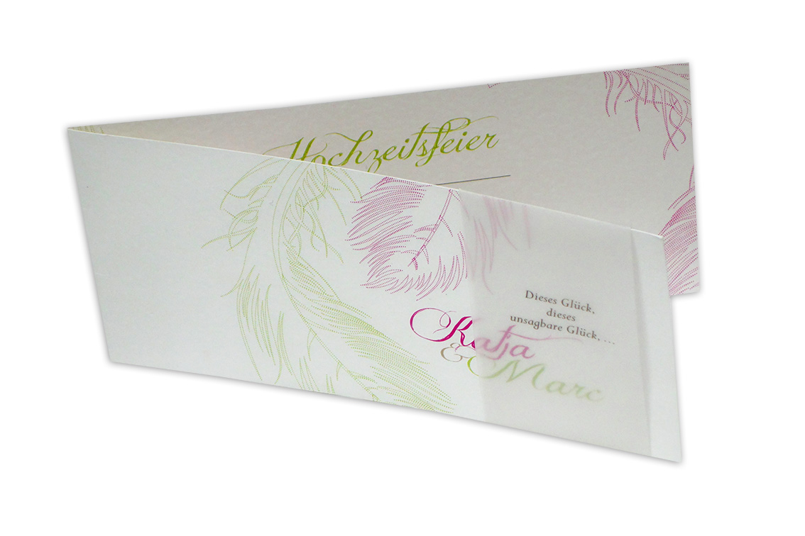 Federleichtes Glück - Hochzeitseinladung mit Banderole - Exklusive Einladungskarten